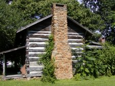 An old log cabin museum in Berea.