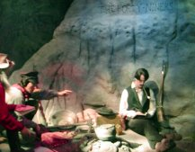 There are dioramas of the fourty-niners and many others who traveled the river.