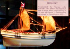 Model of the ship Discovery.